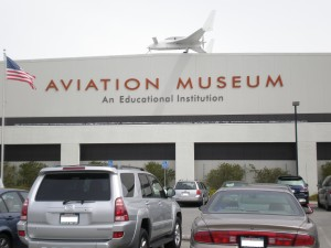 Hiller_Aviation_Museum_front